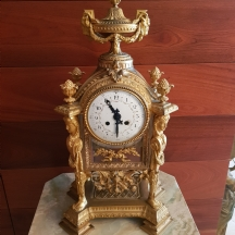שעון צרפתי עתיק מסוג 'Four glass mantel clock'